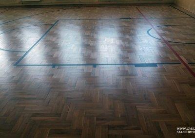 Cyklinowanie sali gimnastycznej w Czernicy (1)