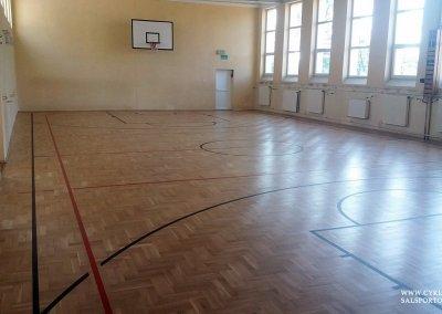 Cyklinowanie sali gimnastycznej wCzernicy (2)