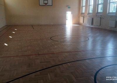 Cyklinowanie sali gimnastycznej w Czernicy (5)