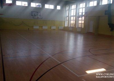 cyklinowanie sali gimnastycznej w Kamieńcu Wrocławskim (3)