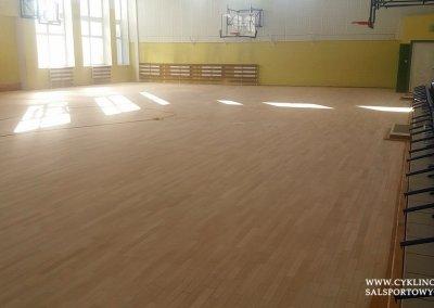 cyklinowanie sali gimnastycznej w Kamieńcu Wrocławskim (4)
