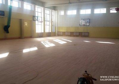 cyklinowanie sali gimnastycznej w Kamieńcu Wrocławskim (8)