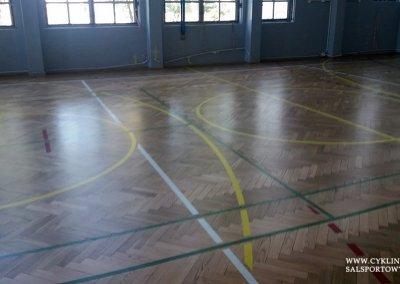 po - cyklinowanie sali gimnastycznej Wiązów (5)