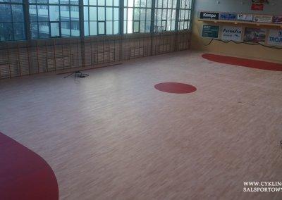 Malowanie boiska na podłodze w hali sportowej (2)