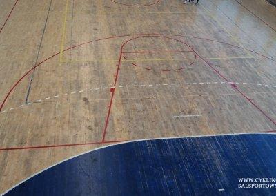 Podłoga sportowa w hali przed cyklinowaniem (2)
